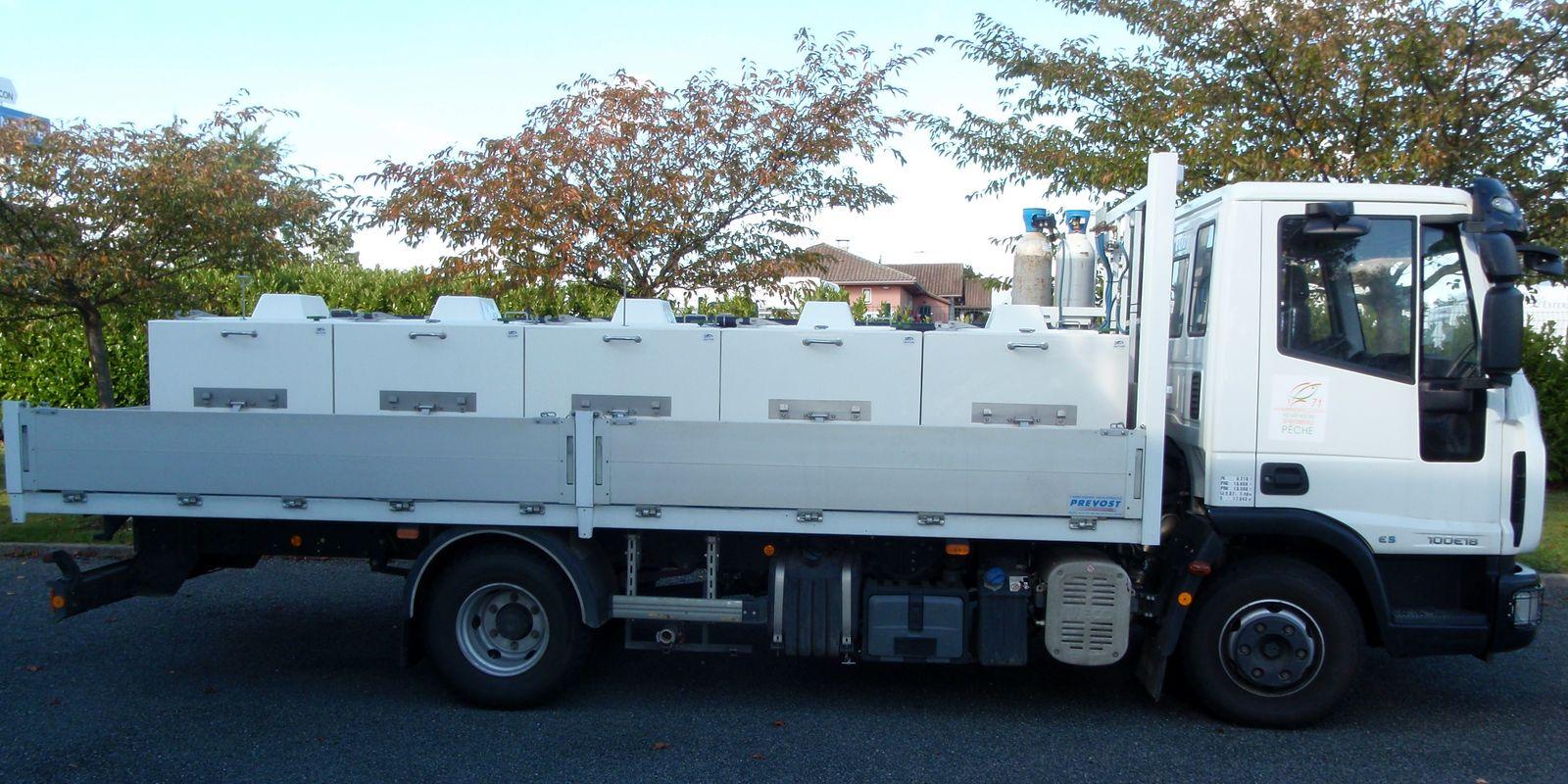 Camion de transport du poisson de la Fédération de Pêche de Saône-et-Loire